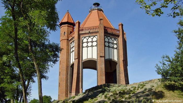 Башня Бисмарка в бранденбургском городе Ратенов