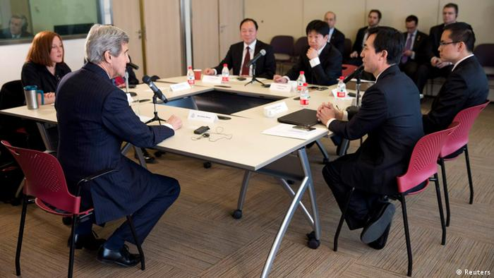 John Kerry trifft chinesische Blogger