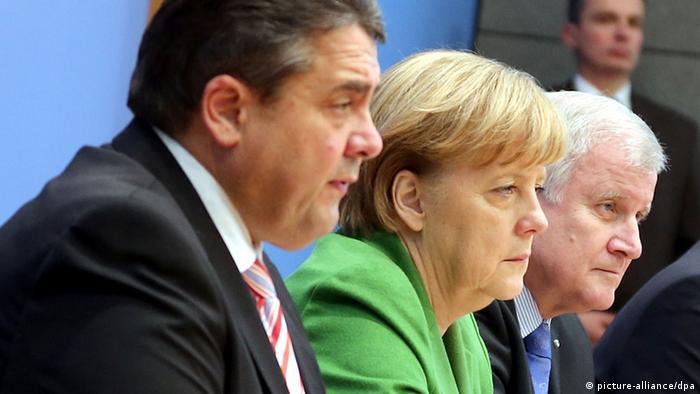 Sigmar Gabriel, Angela Merkel, Horst Seehofer Photo: Wolfgang Kumm/dpa