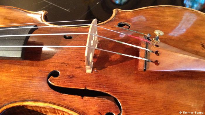 Close up of the Guarneri Geige from Nuremberg Photo: Thomas Senne