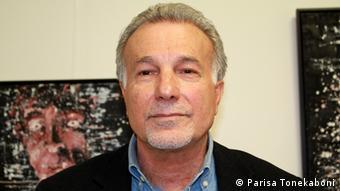محمود فلکی، شاعر و نویسندهی مقیم آلمان