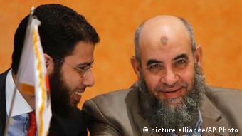 Younis Makhyoun and Nader Bakkar (Foto: Amr Nabil/AP Photo)