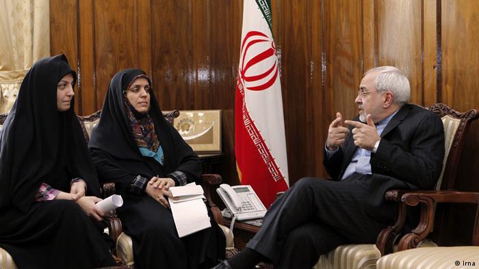 مصاحبهگران خبرگزاری ایرنا در دفتر وزیر امور خارجه ایران