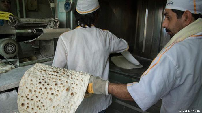 چند قلم دیگر از اقلام اصلی سفرههای مردم ایران از جمله نان به صورتی غافلگیرکننده گران شدهاند