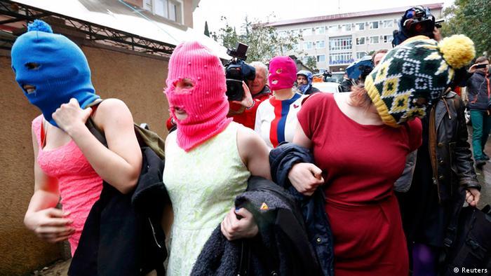 Pussy Riot Sotschi 18.02.2014 (Reuters)