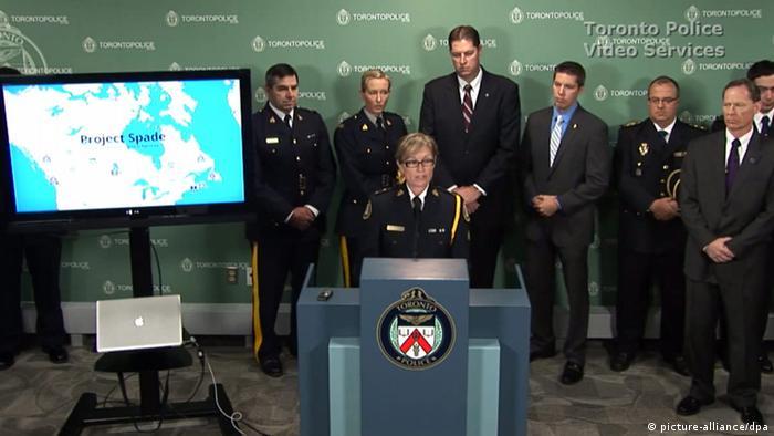 Pressekonferenz der kanadischen Polizei am 14.11.2013. Foto: EPA