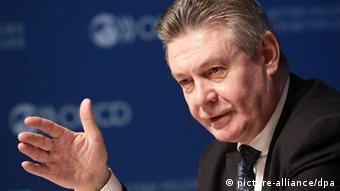 Тристоронні переговори Москви, Києва і Брюсселя координує єврокомісар з питань торгівлі Карел де Ґухт