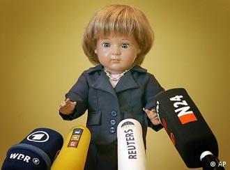 Angela Merkel, la muñeca.