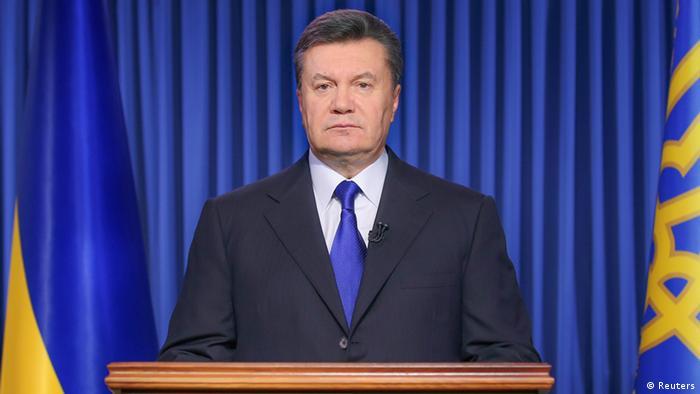 Янукович втрачає контроль