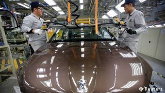 China Frankreich Wirtschaft Auto Dongfeng Peugeot Citroen Automobilfabrik in Wuhan