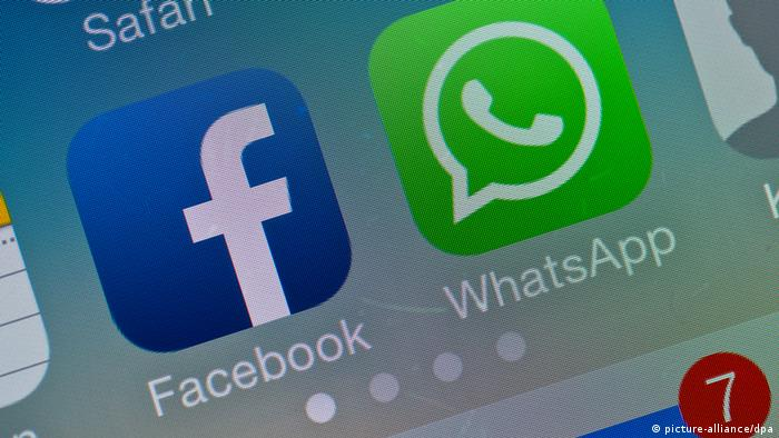 Symbolbild Facebook kauft WhatsApp (picture-alliance/dpa)