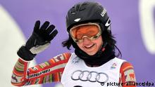 epa02587446 Ornella Oettl Reyes of Peru reacts after the first run of the Women's Giant Slalom at the Skiing World Championships in Garmisch-Partenkirchen, Germany, 17 February 2011. EPA/PETER KNEFFEL +++(c) dpa - Bildfunk+++