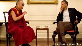 Barack Obama trifft Dalai Lama (Foto: picture-alliance/dpa)
