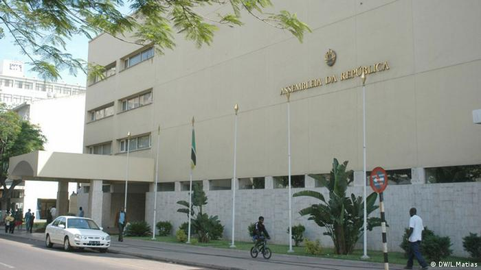 Mosambiks Parlament (DW/L.Matias)