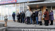 Ukraine Lemberg Schlange an Geldautomat 20.02.2014