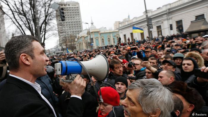 Vitali Klitschko speaking through megaphone at 2014 protest