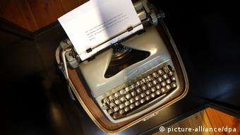Uwe Johnson's typewriter (picture-alliance/dpa)