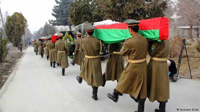 Afghanistan Gedenkveranstaltung für 21 getötete Soldaten in Konar (Hussain Sirat)