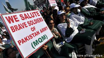 Pakistan Demonstration gegen Taliban in Karachi