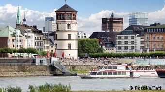 Deutschland Düsseldorf Rheinuferpromenade