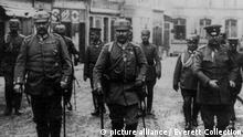 German World War 1 political and military leaders. L-R: Gen. Paul von Hindenburg, Kaiser Wilhelm II, and Gen. Erich Ludendorff. Ca. 1914-18.