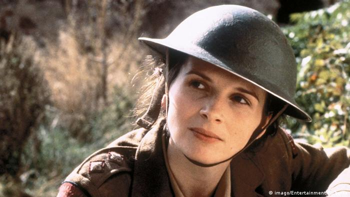 Juliette Binoche in film still from 'The English Patient' (imago/Entertainment Pictures)