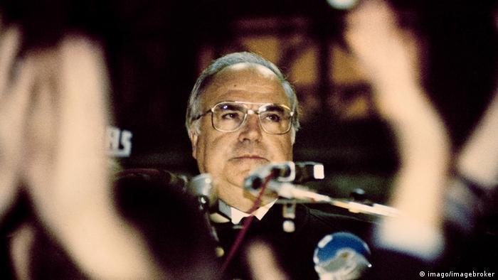 Гельмут Коль на митинге в Западном Берлине, 10 ноября 1989 года