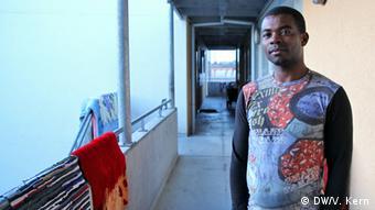 Aruna Abiodun Dlayinka, Asylbewerber aus Nigeria - Foto: Vera Kern (DW)