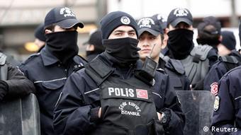 Türkei Proteste in Istanbul gegen die Regierung von Erdogan Polizei