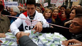 Türkei Proteste in Istanbul gegen die Regierung von Erdogan