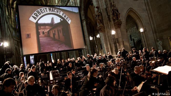 Konzert-Drama Defiant Requiem (Foto: Josef Rabara)