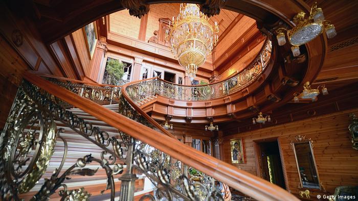 Межигорье - резиденция свергнутого президента Украины Виктора Януковича
