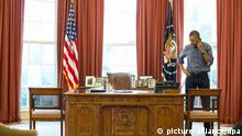 Obama / Telefon / Gespräch mit Putin / Krim / Oval Office (picture-alliance/dpa)