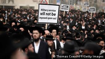 Ultra-orthodoxe Juden protestieren gegen Einzug zum Militärdienst in Israel. (Foto: THOMAS COEX/AFP/Getty Images)