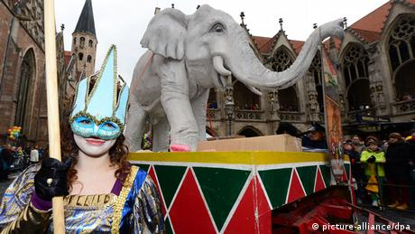 An elephant sculpture leads the carnival procession in Braunschweig