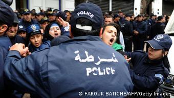 Manfestación en Argelia contra el Gobierno. (1/3/2014).