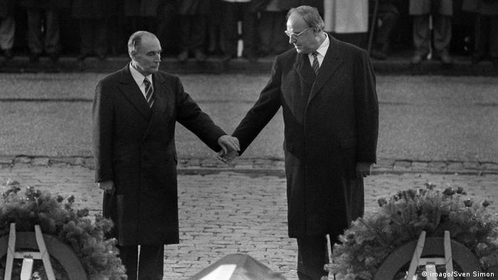 1984 год: Франсуа Миттеран и Гельмут Коль чтят память павших
