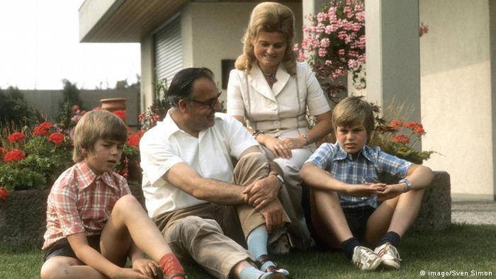 Гельмут Коль с семьей