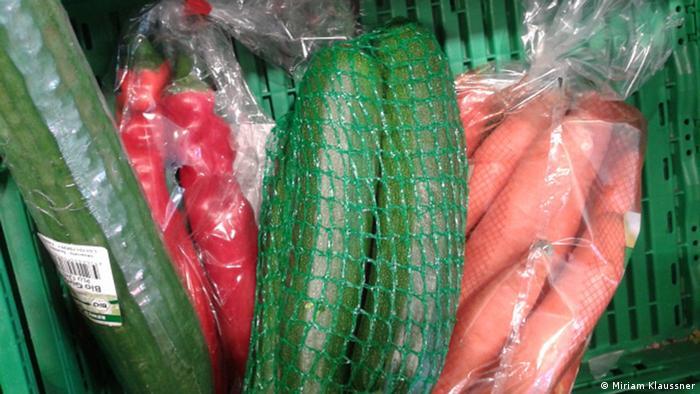 Leben ohne Verpackung Gemüse in Plastik