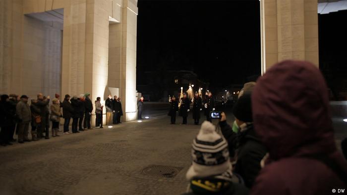 Belgien Erster Weltkrieg der Große Zapfenstreich am Menen-Tor in Ypern