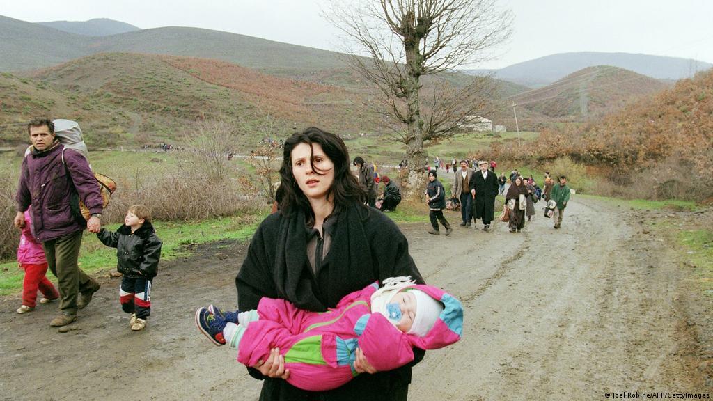 Kosoves njoftime te me femra Femra