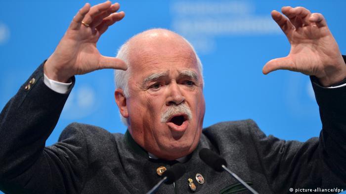 Einer der Kläger: Der frühere CSU-Politiker Peter Gauweiler