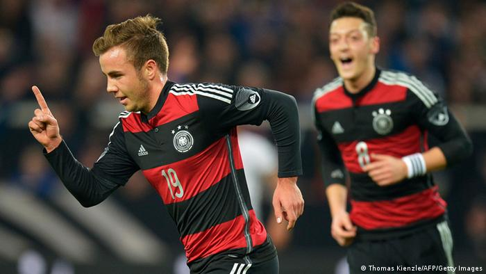 Germany Ride Their Luck To Narrowly Beat Chile Sports German Football And Major International Sports News Dw 05 03 2014
