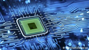 Symbolbild Computer Chip technology (Fotolia/Edelweiss)