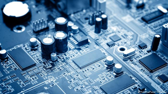 Symbolbild Computer Chip technology (Fotolia/Pavel Timofeev)
