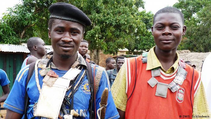 Zentralafrika Anti Balaka mit Fetisch
