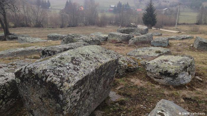 Bosnian graves in Gornji Vakuf (DW/N. Velickovic)