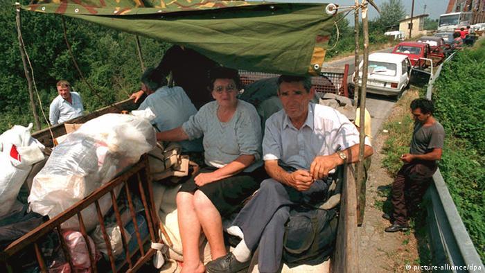 Zehntausende Serben auf der Flucht