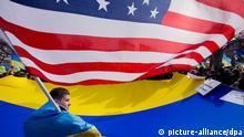 USA, Ukraine, Krim-Krise, Proteste, Flaggen