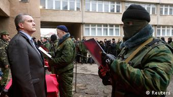 В уряді Сергія Аксьонова (ліворуч) Міхальчевський пропрацював чотири місяці